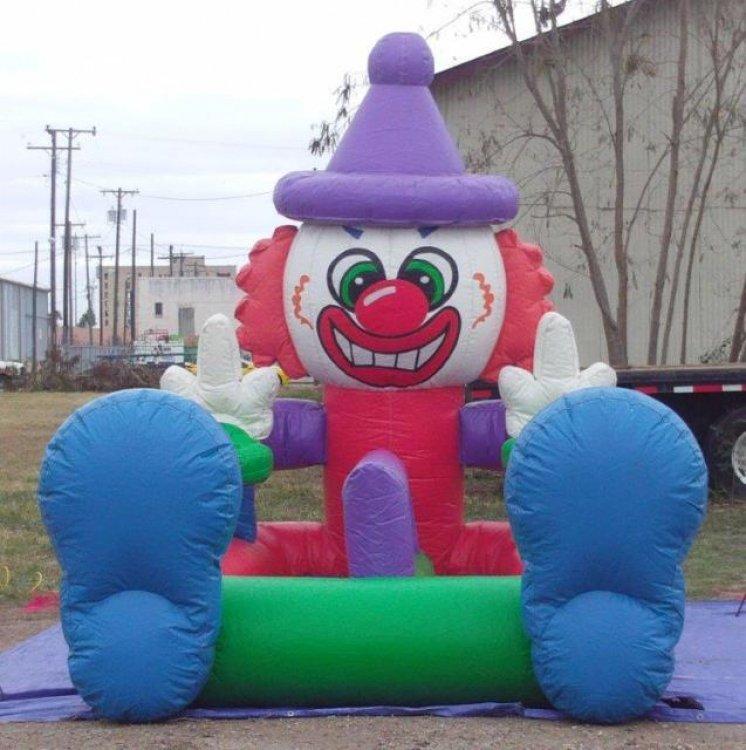 Clown Hover Ball Race